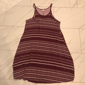 Old Navy burgundy and white dress size M